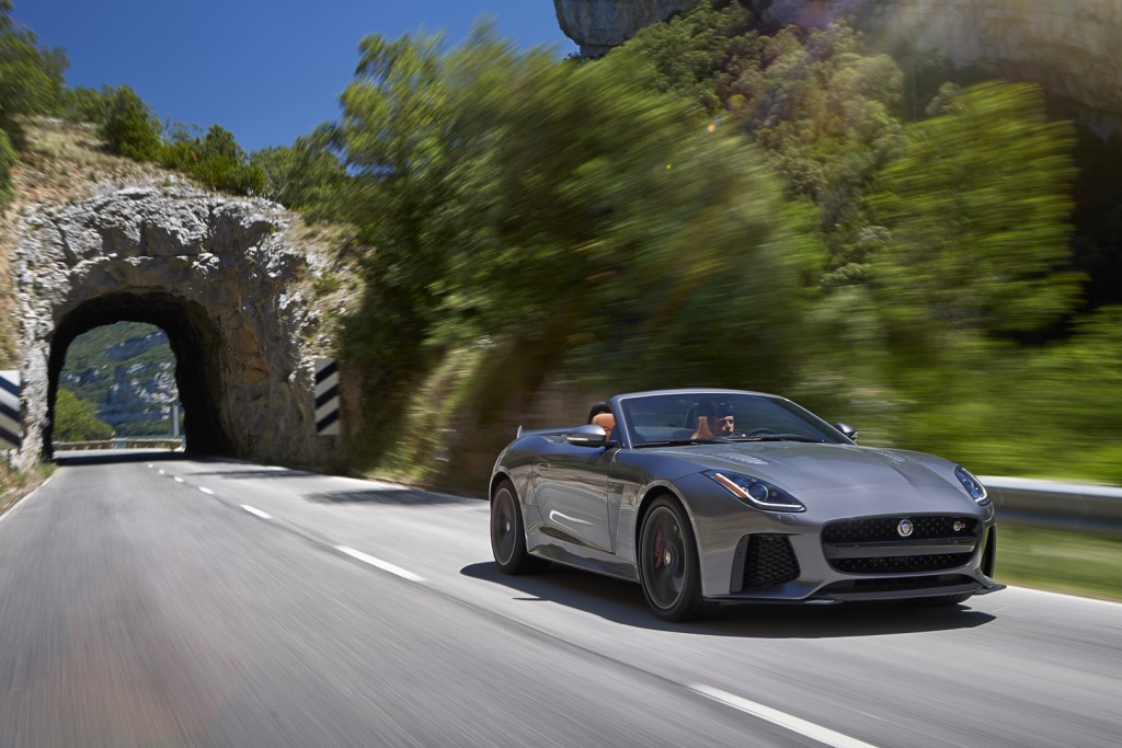 Jag_FTYPE_SVR_Convertible_Location_170216_22_126618