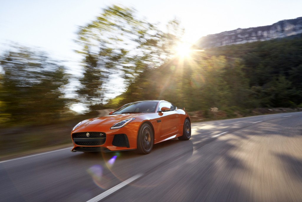 Jag_FTYPE_SVR_Coupe_Location_170216_06_126538