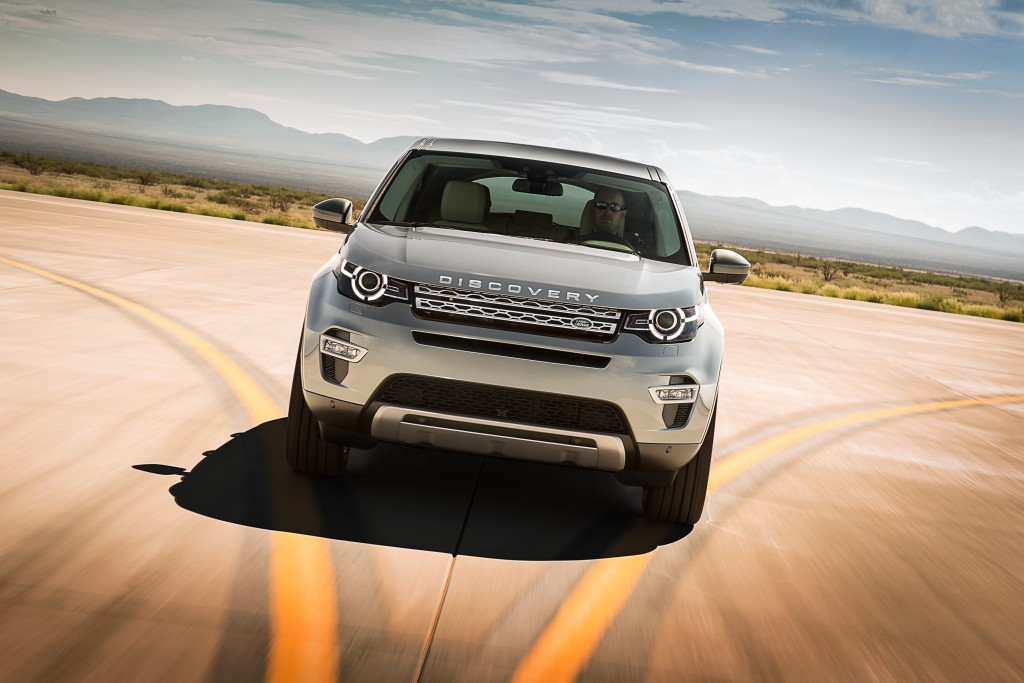 LR_Discovery_Sport_01_93334