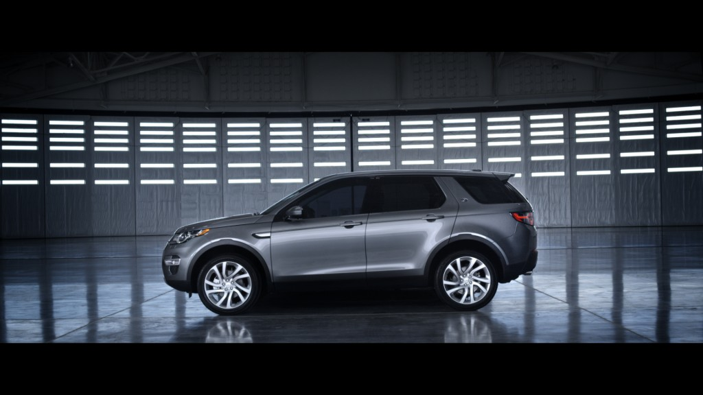 LR_Discovery_Sport_16_93338