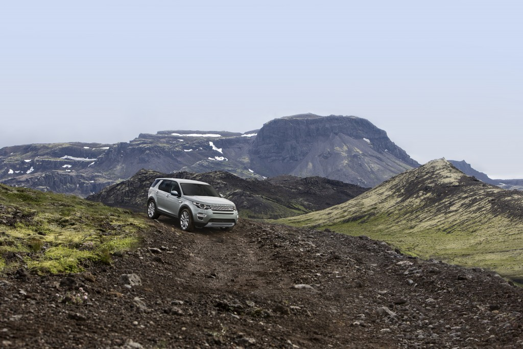 LR_Discovery_Sport_23_93347