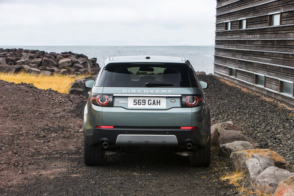 LR_Discovery_Sport_24_93353