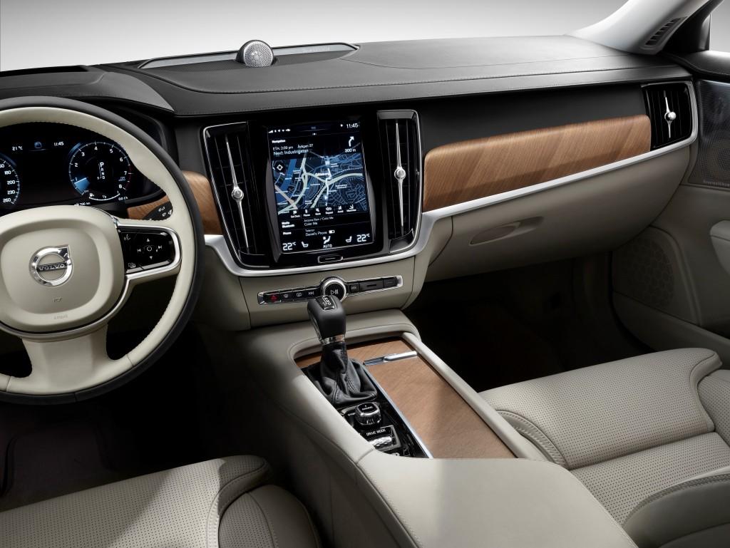 170073_Interior_cockpit_Volvo_S90