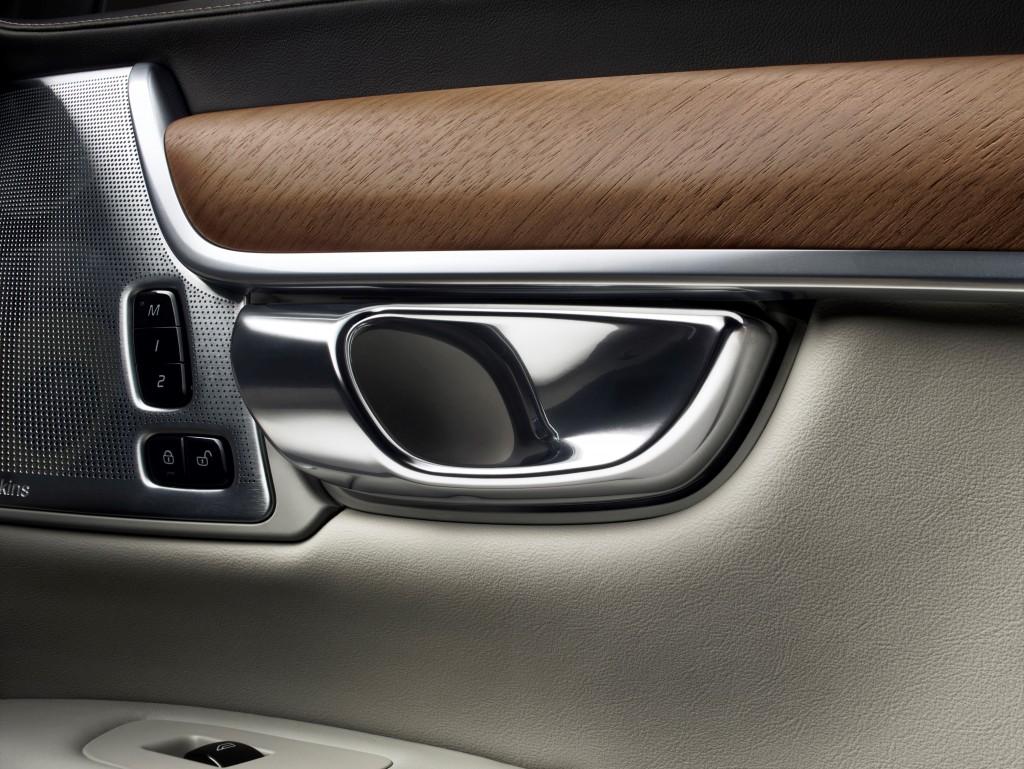 170137_Interior_door_handle_Volvo_S90