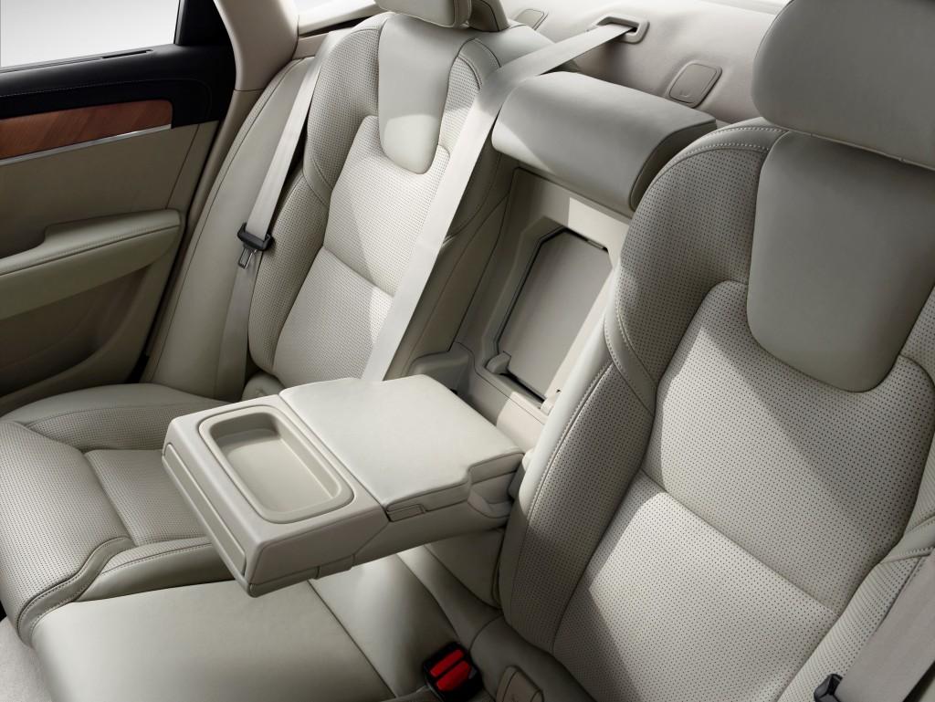 170140_Interior_Rear_Arm_Rest_Volvo_S90