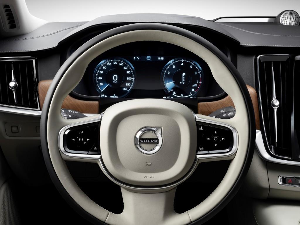 170143_Interior_Steering_Wheel_Volvo_S90