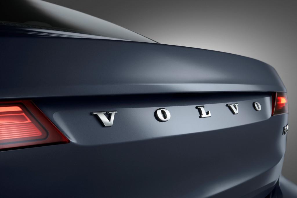170152_Rear_Volvo_Word_mark_Volvo_S90_Mussel_Blue