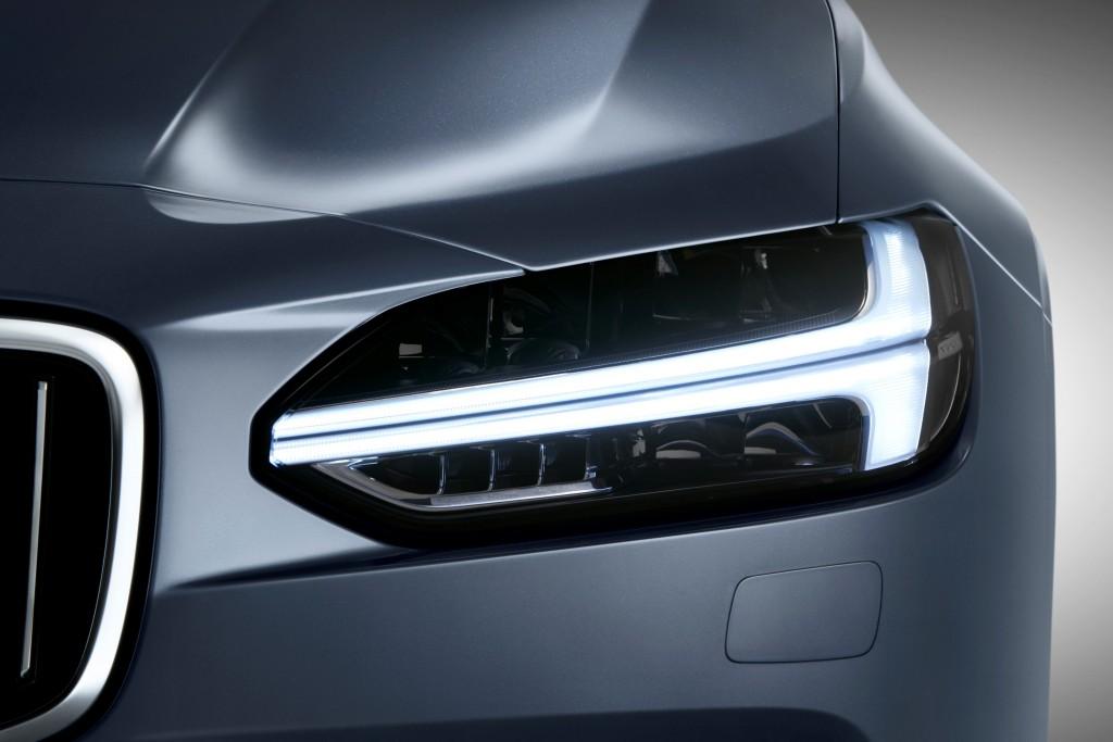 170153_Thor_s_Hammer_Headlight_Volvo_S90_Mussel_Blue