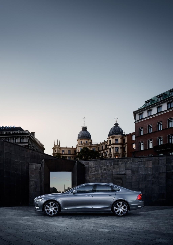 170195_Location_Profile_Volvo_S90_Osmium_Grey