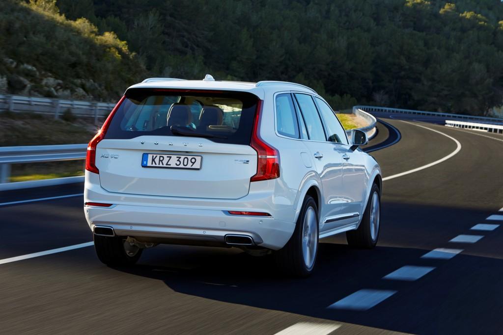 157812_The_new_Volvo_XC90_T8_Twin_Engine_petrol_plug_in_hybrid_driven_in_Tarragona